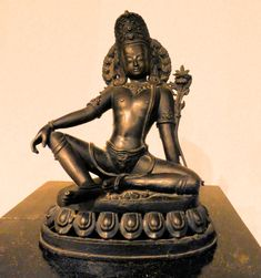 Buy Antiques Online - Rare Books & Coins For Sale - Hindu Art Hindu Art, Rare Coins, Antique Shops, Historian, Sculpture Art, Buddha, Religion, Antiques, Hinduism