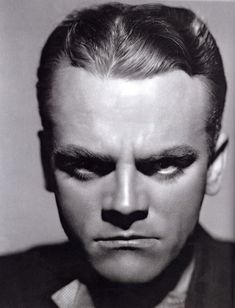 Butterfly/hollywood lighting. James Cagney.