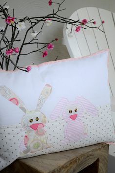 happy little rabbits pillow~pattern
