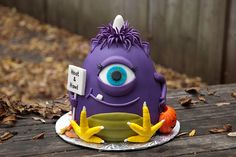 Cake Wrecks - Home - Sunday Sweets: Here There Be MONSTERS. One eyed one horned flying purple people eater! My mom would sing this in a goofy voice pretty funny now that I remember it. Monster Inc Cakes, Monster Birthday Cakes, Monster Birthday Parties, Monster Party, Cupcakes, Cupcake Cakes, Shoe Cakes, Alien Cake, Cake Wrecks
