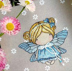 Easy Cross Stitch Patterns, Simple Cross Stitch, Stitch Doll, Keychains, Magic, Dolls, Artwork, Cross Stitch, Dots