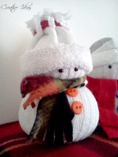 Inspiration From Alicia ~ Sock Snowmen Sock Snowman, Snowman Faces, Snowman Crafts, Ornament Crafts, Christmas Crafts For Gifts, Christmas Deco, Christmas Projects, Christmas Ornaments, Deco Kids