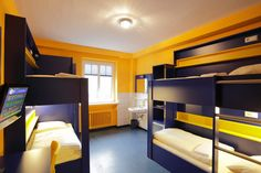Beispiel: 4-Bett Zimmer mit Dusche im Bed'nBudget Hostel Hannover  Hildesheimer Straße 380  30519 Hannover  Tel.: 0511 / 12 611 504    Fax: 0511 / 12 611 511    E-Mail: reservation@bednbudget.de  www.bednbudget.de