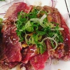 Delicious seared beef slices with house Wasabi dressing! Try today at shiotoronto ! Beef tataki  #맛스타그램 #술스타그램 #이자카야 #선술집 #토론토 #소통 #foodie #foodporn #lfl #f4f #japanese #foodblog #tapas #bar #sashimi #oyster #ankimo #musttry #gotoplace #shiotoronto #quaility #fresh #best #beer #tataki #beef #izakaya #daily #toronto by shiotoronto