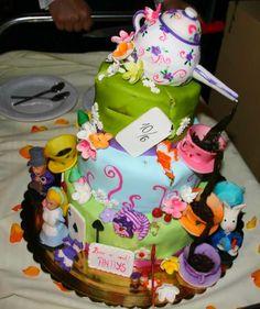 Detailed Alice in Wonderland Cake #aliceinwonderland #cake