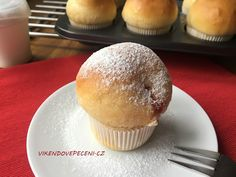Koblihy pečené jako muffiny Muffins, Czech Recipes, Something Sweet, I Love Food, Cake Pops, Food Porn, Food And Drink, Cupcakes, Sweets