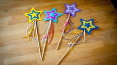 Self-made fairy wands as for a birth . Self-made fairy wands as for one Christmas Party Invitations, Birthday Invitations, Felt Crafts, Diy And Crafts, Diy For Kids, Crafts For Kids, Room On The Broom, Fairy Wands, Kids And Parenting