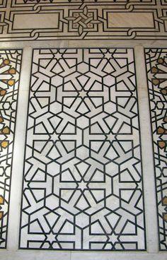 Islamic Art Pattern, Pattern Art, Moroccan Lounge, 3d Paper Art, Wall Panelling, Historic Architecture, Grand Mosque, Islamic Art Calligraphy, Damascus