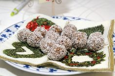 kokuszos-zabpehely-golyok Eat, Cookies, Desserts, Food, Crack Crackers, Tailgate Desserts, Deserts, Biscuits, Essen