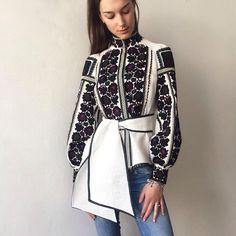 Resultado de imagem para Roksolana Bogutska   blouse Folk Fashion, Ethnic Fashion, Denim Fashion, Hijab Fashion, Fashion Dresses, Womens Fashion, Ethno Style, Estilo Fashion, Traditional Fashion
