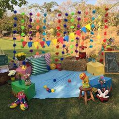 Festa Picnic linda com tema Circo, amei! Por @nud_rafaelabrandao  #kikidsparty