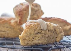 Maple Scones Recipe, Cinnamon Scones, Cinnamon Desserts, Scone Cookie Recipe, Favorite Cookie Recipe, Favorite Recipes, Breakfast Recipes, Dessert Recipes, Breakfast Ideas