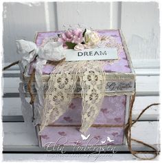 Denne gangen fra Elin i Scrappelyst. Decorated Boxes, Card Boxes, Exploding Boxes, Explosion Box, Wraps, Gift Wrapping, Gifts, Art, Gift Wrapping Paper