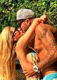 Ex-BBB Fernando anuncia que reatou com Aline com foto de beijo #BBB, #Casamento, #Festa, #Gente, #Globo, #Hoje, #Instagram, #Namoro, #Peito, #Programa, #Reality, #RealityShow, #RioDeJaneiro, #Sexo, #Show http://popzone.tv/ex-bbb-fernando-anuncia-que-reatou-com-aline-com-foto-de-beijo/