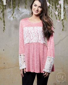 Rose colored tunic with lace trim and lace back inset. Absolutely beautiful!! Sized as follows: Small 2-4 Medium 6-8 Large 10-12 XL 14-16 2X 18-20
