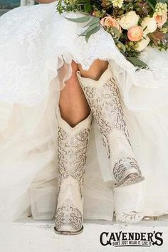 Corral Boot Company Women's White with Glitter Inlay Western Snip Toe Boots - Cowgirl - Wedding dresses Dress With Boots, Dress And Heels, Bota Country, Dream Wedding, Wedding Day, Perfect Wedding, Wedding Signs, Budget Wedding, Spring Wedding