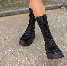 Discovered by . Find images and videos on We Heart It - the app to get lost in what you love. Dr Shoes, Sock Shoes, Me Too Shoes, Shoes Heels, Pretty Shoes, Cute Shoes, Mode Converse, Aesthetic Shoes, Mid Calf Boots