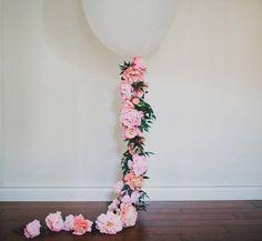 DIY: GLOBOS CON FLORES globos-boda