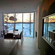 #villaoskar wishes lovely #Sunday #holiday #sunset #dinningroom #kitchen #architecture #modern #woodenhouse #interior123 #interior4you1 #design #muuto #fluid #kaani #concretefloor #keittiö #ruokailutila #kotilapissa #auringonlasku #päiväpitenee #loma #olkkajärvi #myhome #jorunn_ls