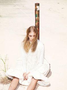 Julia Bergshoeff, Lexi Boling, Edie Campbell by Mert Alas & Marcus Piggott for Vogue Paris August 2015