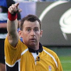 Gay rugby referee Nigel Owens welcomes ban for fans who yelled homophobic abuse
