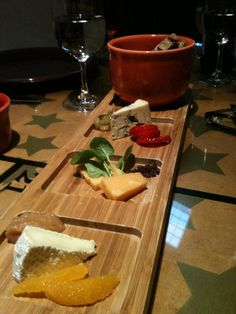 Amazing Cheese Platter Le Cigare Volant Bonny Doon Vineyard Tasting Room And Restaurant