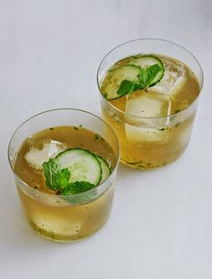 Bourbon and Mint Cocktail   http://www.fabulishliving.blogspot.ca/2014/06/bourbon-and-mint-cocktail.html?spref=pi