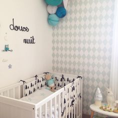 Baby room, Sous Le Lampion