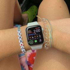 Girly Things, Cool Things To Buy, Apple Watch Fashion, Lei, Apple Products, Smartwatch, Fashion Watches, Bracelet Set, Cotton Dresses
