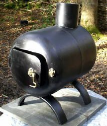rocket stove and grill Metal Projects, Welding Projects, Gas Bottle Wood Burner, Mini Wood Stove, Tent Stove, Diy Fire Pit, Fire Pits, Stove Fireplace, Fireplace Tv Wall