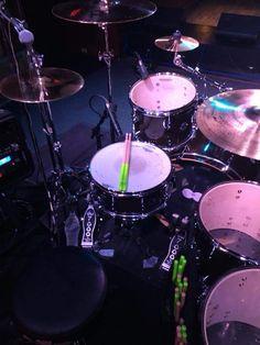 Drums Studio, Home Studio Music, Drums Wallpaper, Top Imagem, Vintage Drums, Music Sing, Music Aesthetic, Drum Kits, Music Photo