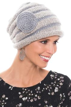 30 Cool Winter Cap Ideas For Women To Try This Season - Each season has its own head gear. Think bathing caps and sun hats in the summer, and angora pull on hats or woolen caps for the winter. Finger Crochet, Crochet Diy, Knit Beanie, Beanie Hats, Knitted Hats, Crochet Hats, Knitted Flowers, Winter Hats For Women, Winter Beanies