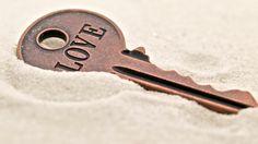 Γιατί οι άνθρωποι φοβούνται την αγάπη; - http://ipop.gr/themata/eimai/giati-i-anthropi-fovounte-tin-agapi/