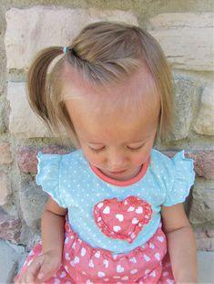 12 Must-Have Easy Toddler Hairstyles in Two Minutes or Less - 12 Toddler Hair Styles – Toddler girl hairstyles ideas that are easy, cute and fast. Easy Toddler Hairstyles, New Short Hairstyles, Baby Girl Hairstyles, Girl Haircuts, Diy Hairstyles, Infant Hairstyles, Short Haircuts, Hairstyle Ideas, Asian Hairstyles