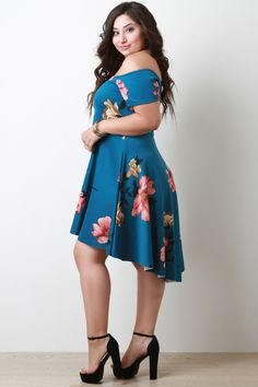 This plus size dress features a floral print, off the shoulder neckline, short sleeves, back zipper closure, and a high-low midi hemline. Curvy Fashion, Plus Size Fashion, Fashion 2018, Womens Fashion, Fashion Trends, Plus Size Dresses, Plus Size Outfits, Casual Dresses For Women, Clothes For Women