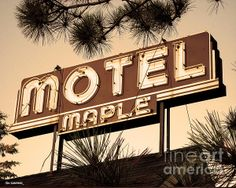 Motel Maple, Three Lakes, Wisconsin, Photo by Jim Zahniser, Red Robot Design and Illustration Lake Michigan, Wisconsin, Three Lakes, Robot Design, Door County, Googie, Free Graphics, Motel, Signage