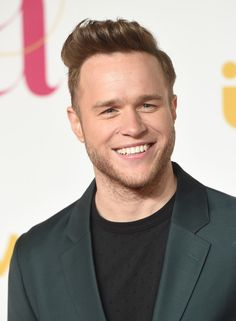 Olly Murs Photos Photos - Olly Murs attends the ITV Gala at London Palladium on November 19, 2015 in London, England. - ITV Gala - Red Carpet Arrivals