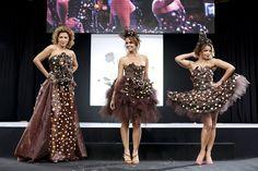 Le défilé de robes en chocolat – Salon du Chocolat – Paris Strapless Dress Formal, Prom Dresses, Formal Dresses, Chocolate Fashion, Female Girl, Costume, Special Birthday, Paris, Fashion Show