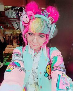"""Gefällt 1,758 Mal, 45 Kommentare - Kammie! (@kammiepomeranian) auf Instagram: """"I #galaxxxy !!!! #galaxxxyrocks #uchuukei #shibuya #japanesefashion"""""""
