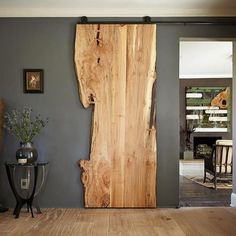 Holztür-Schiebetür Scheunentor Eiche One Board-LoftMarkt The Effective Pictures We Offer You About wooden sliding doors A quality picture can tell you many things. You can find the most beautiful pict Wooden Sliding Doors, Double Sliding Doors, Custom Wood Doors, Sliding Door Rail, Wooden Barn Doors, Sliding Door Design, Barn Wood, Wooden Door Design, Hallway Designs