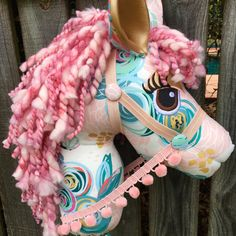 Hobby Ideen Holz - Hobby Horse Schablone - Hobby For Stay At Home Moms Crafts - - Hobby Horse Martingal Hobbies For Women, Hobbies To Try, Fabric Crafts, Sewing Crafts, Sewing Projects, Unicorn Birthday Parties, Unicorn Party, Handmade Toys, Clothes Crafts