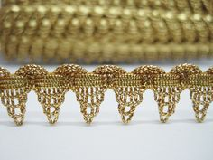 5 YARDS ANTIQUE GOLD BRAID WAVE RICK RACK WITH RED PICOT RIBBON