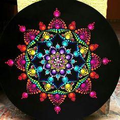 Mandalas Mandala Canvas, Mandala Artwork, Mandala Painting, Dot Art Painting, Painting Patterns, Stone Painting, Mandala Painted Rocks, Mandala Rocks, Mandala Pattern