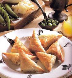 Mentás-zöldborsós táskák | Receptek | gasztroABC Dairy, Cheese, Food, Mint, Cilantro, Meals, Yemek, Eten