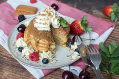 A pile of fluffy buttermilk pancakes topped generously with lotus biscoff spread, served up with vanilla icecream / whipped cream, lotus biscuit crumbles and lots of fresh berries. Pancake Healthy, Pancake Day, Brunch Recipes, Cake Recipes, Lotus Biscuits, Biscoff Biscuits, Buttermilk Pancakes Fluffy, Biscoff Spread, Lotus Biscoff