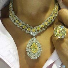 Yellow Damond necklace and rare round diamond ring. Colar De Pedra,  Pulseiras, Brincos 59e29d7247