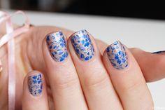 Monochrome flower nails (reproduction Kristin @kgrdnr) - Chlokeispolished.com