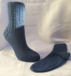 I do love me some hand knit socks, don't you?  #CraftShout #knitsocksrock #giftsformom