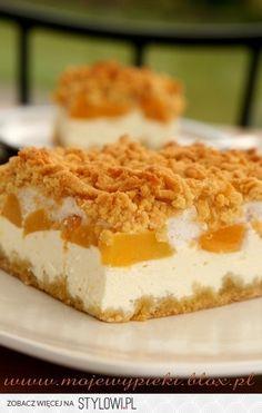 Sernik z brzoskwiniami Składniki na ciasto: 1 kostka m…