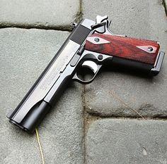 gunsknivesgear:  1911.